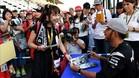 Hamilton, con sus fans en Suzuka
