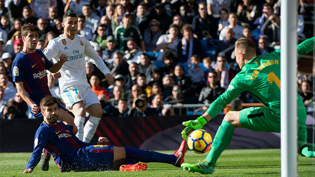 LALIGA | Real Madrid - FC Barcelona (0-3): Recital de Ter Stegen