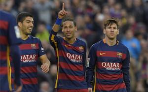 El primer equipo de fútbol, y muy especialmente su gran tridente, se ha convertido en el gran reclamo