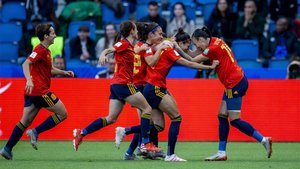 La selección española reaccionó en una gran segunda mitad