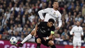 Thiago Silva y Cristiano Ronaldo en un partido entre PSG y Real Madrid de la Champions 2015/16